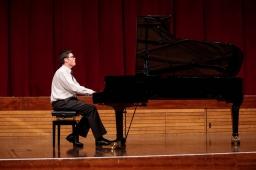 pianoman02